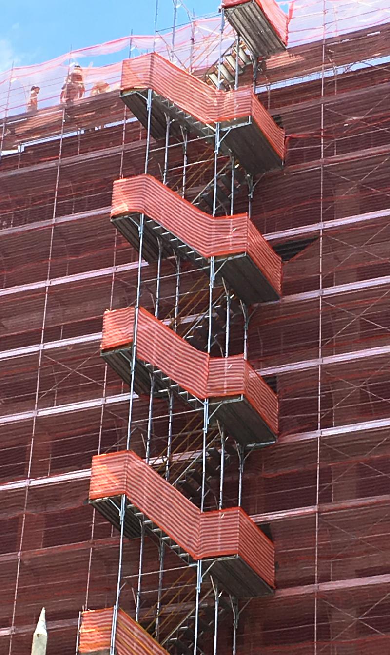 Escada de acesso coletivo: exclusivo sistema encaixe rápido