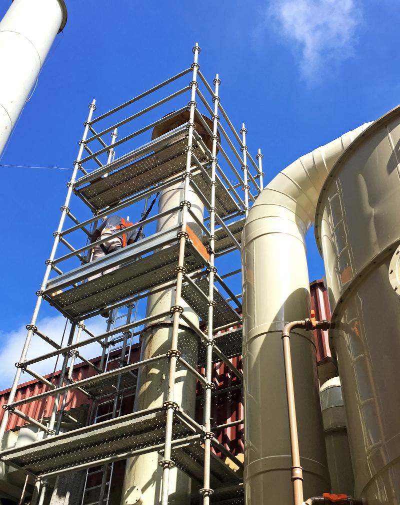 Manutenção industrial com Andaime Multidirecional